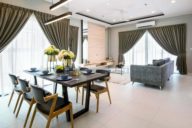 Ruang Tamu Dan Makan Yang Serba Luas Di Rumah Contoh Semi D