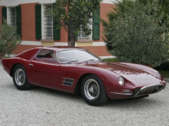 This image has an empty alt attribute; its file name is Sejarah-Syarikat-Lamborghini-Yang-Bersaing-Di-Pasaran-Supercar-Dengan-Ferrari4-700x525.jpg