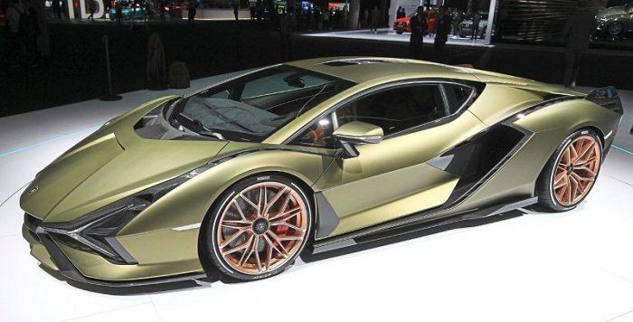 This image has an empty alt attribute; its file name is Sejarah-Syarikat-Lamborghini-Yang-Bersaing-Di-Pasaran-Supercar-Dengan-Ferrari5-700x356.jpg